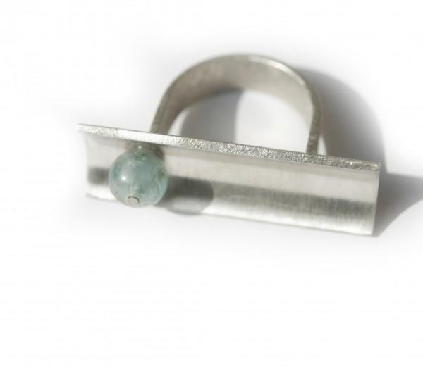 Kyanithring - Silberring mit Rinne und Kyanith